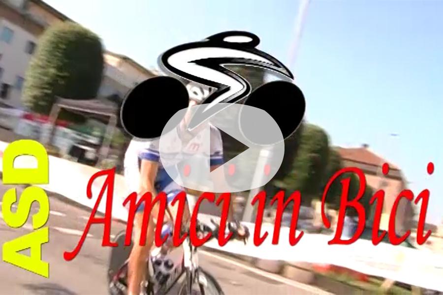 Immagine da mettere in evidenza amici in bici ok
